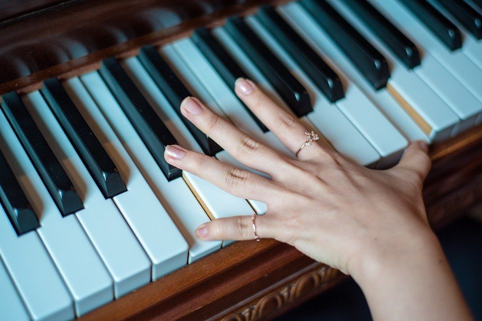 Finger Stretching Exercises for Piano