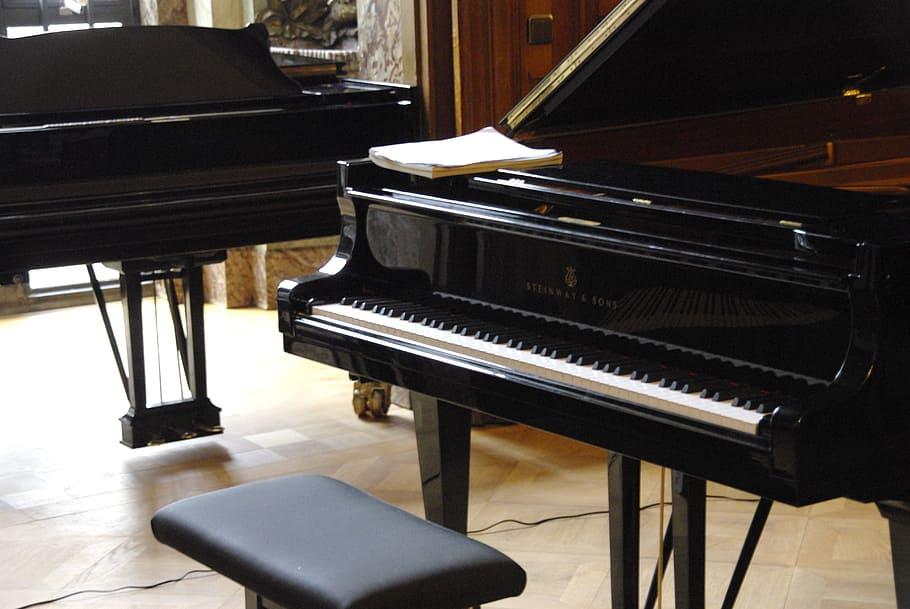 Acoustic Piano vs Digital Piano