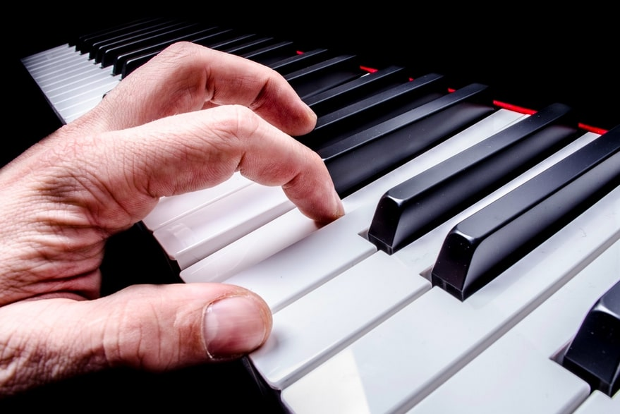 Ideal Hand Size for Playing the Piano